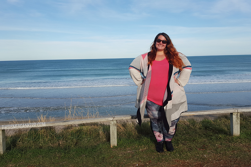 New Zealand plus size fashion blogger Meagan Kerr wears Harlow Tee, 17 Sundays Cardi, boohooPLUS ponte pants, Number One Shoes boots and sunglasses
