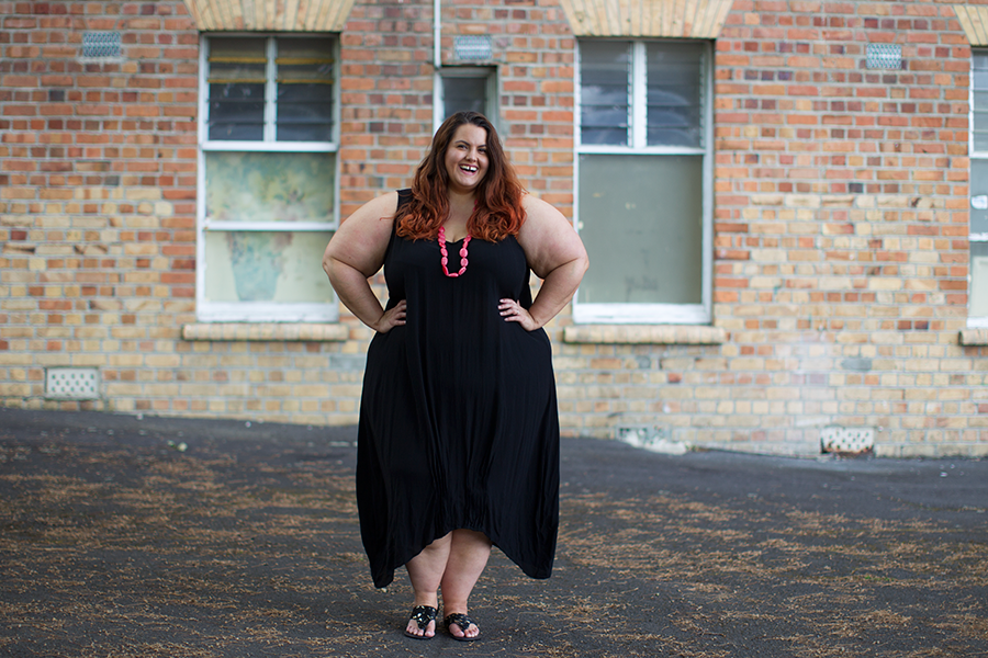 NZ plus size blogger Meagan Kerr wears Lost and Led Astray LaLA Tuck Hem Dress and Oval Resin Necklace from Zebrano