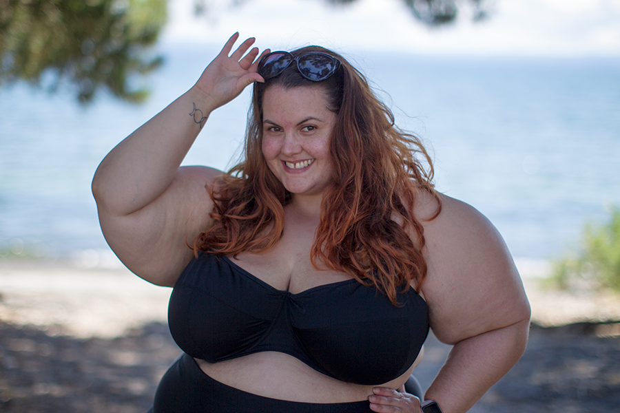This is Meagan Kerr in plus size swimwear by elomi and Autograph // How to be body confident at the beach