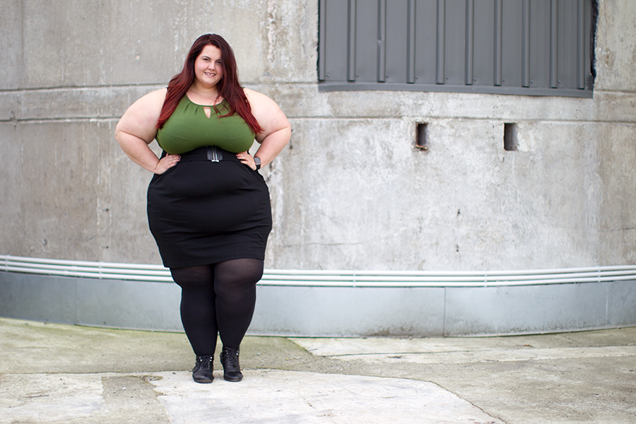 New Zealand plus size fashion blogger Meagan Kerr wears pleat neck vest and ponte pencil skirt from Simply Be