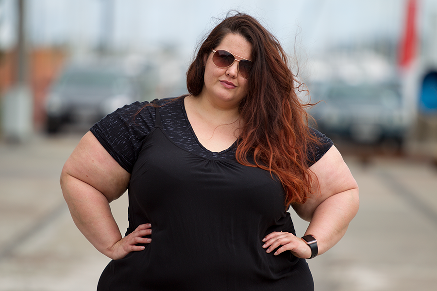 NZ plus size fashion blogger Meagan Kerr celebrates the revival of 90's style