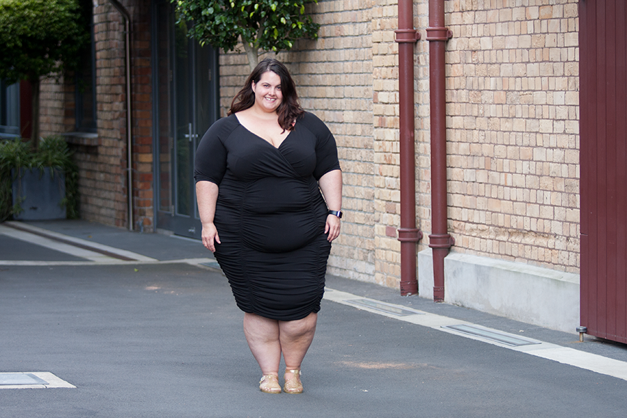 New Zealand plus size blogger Meagan Kerr wears IGIGI Ambrosia wiggle dress