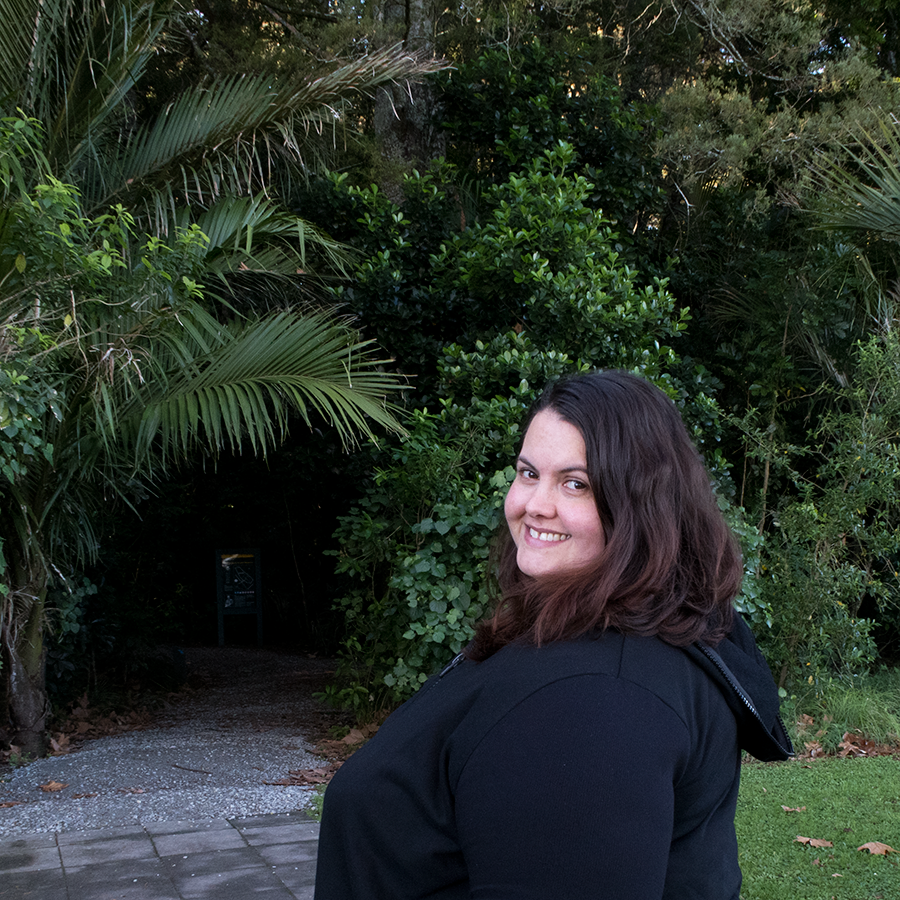 New Zealand plus size blogger Meagan Kerr wears River Island Plus tee, Kate Madison leggings, Lost and Led Astray Sculpture Coat and ecco Cool 2.0 Shoes