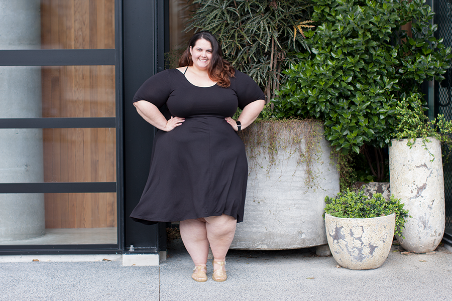 The Iconic plus size clothing haul and review // 17 Sundays Cross Back Dress