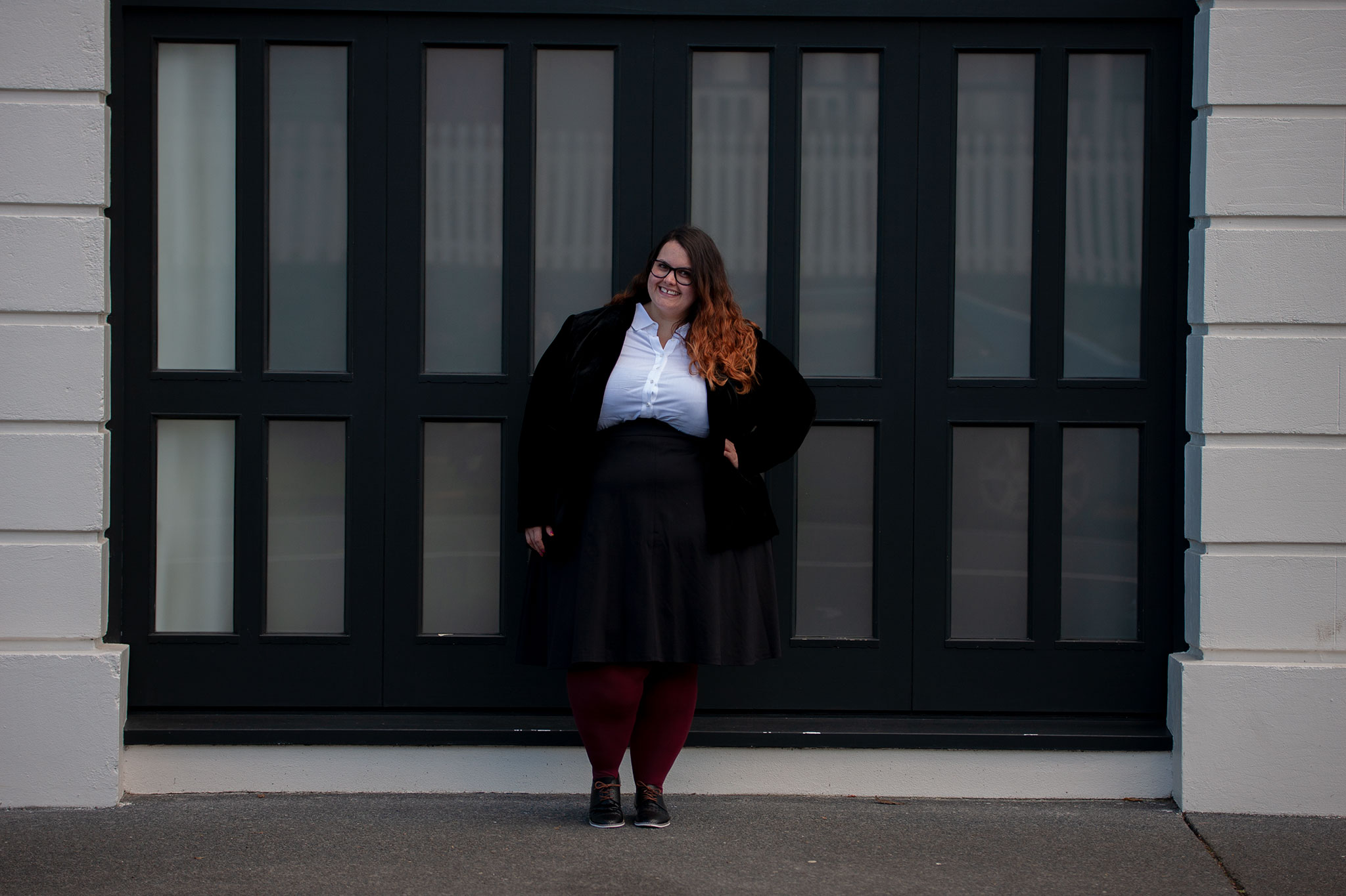 8ca553c6efbe New Zealand plus size blogger Meagan Kerr wears 17 Sundays Basic Longline  White Button Up Shirt ...