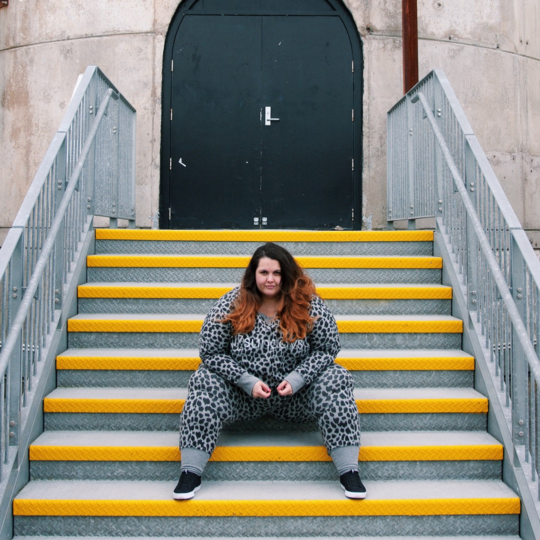 be090e05d863 New Zealand plus size blogger Meagan Kerr wears Leopard Print Sweat Top and  Harem Pants from ...